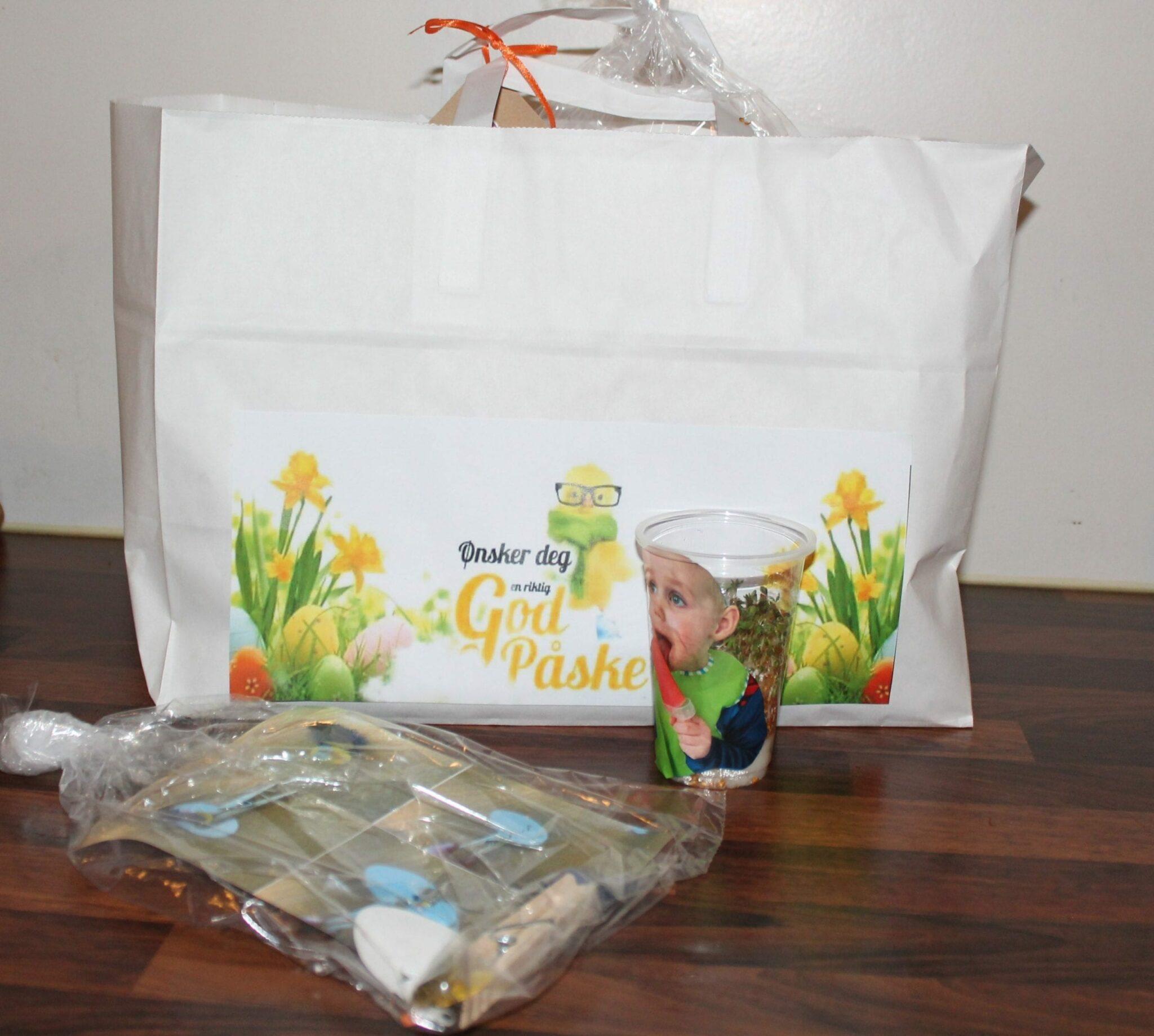 Åtte formingsaktivitetar i ein pose blei levert ut til småbarna i Tomrefjord barnehage førre veke.