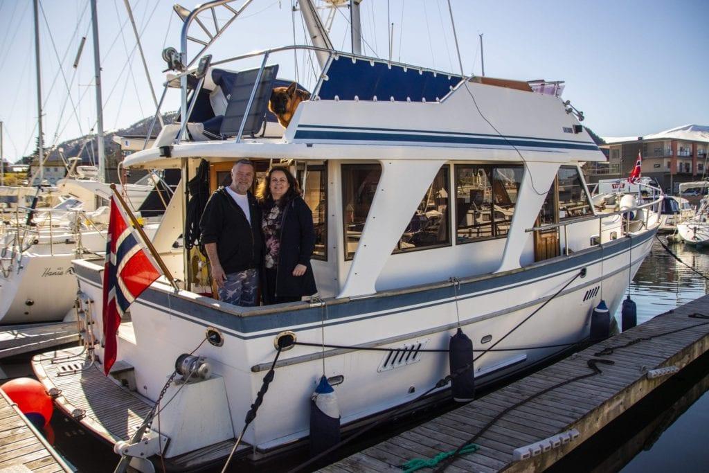 "Med båten M/Y Bare Du"" vil Roberth Opsahl-Engen og Vigdis Ødegård tilby charterturar i regionen."