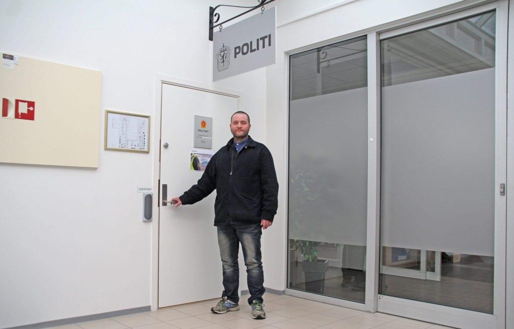 Johnny Svensli ved Vestnes lensmannskontor