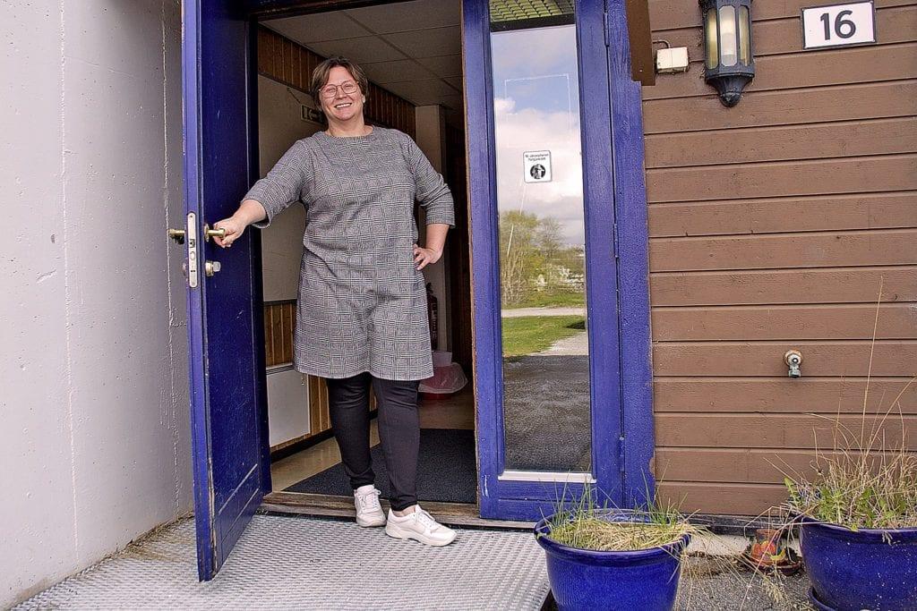 Hege Haugen opnar døra på Vestnes kulturskule