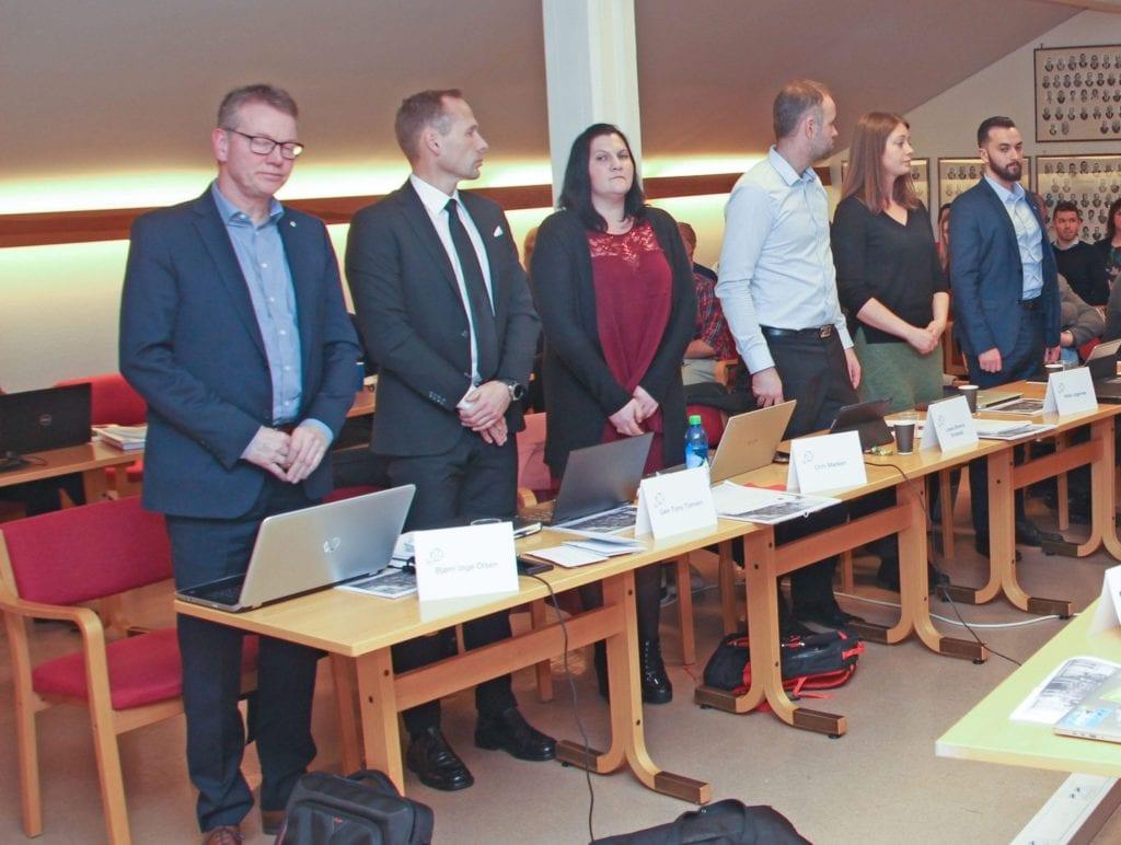 Fleirtalet i Senterpartiet i kommunestyret er frustrert over at ordførar Geir Inge Lien har gått mot partiprogrammet i skulestruktursaka. (Arkivfoto)