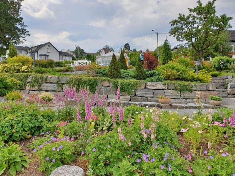 Vestnes hagelag viste en av 1000 åpne hager på søndag. (Foto: Aud Sissel Suoranta)