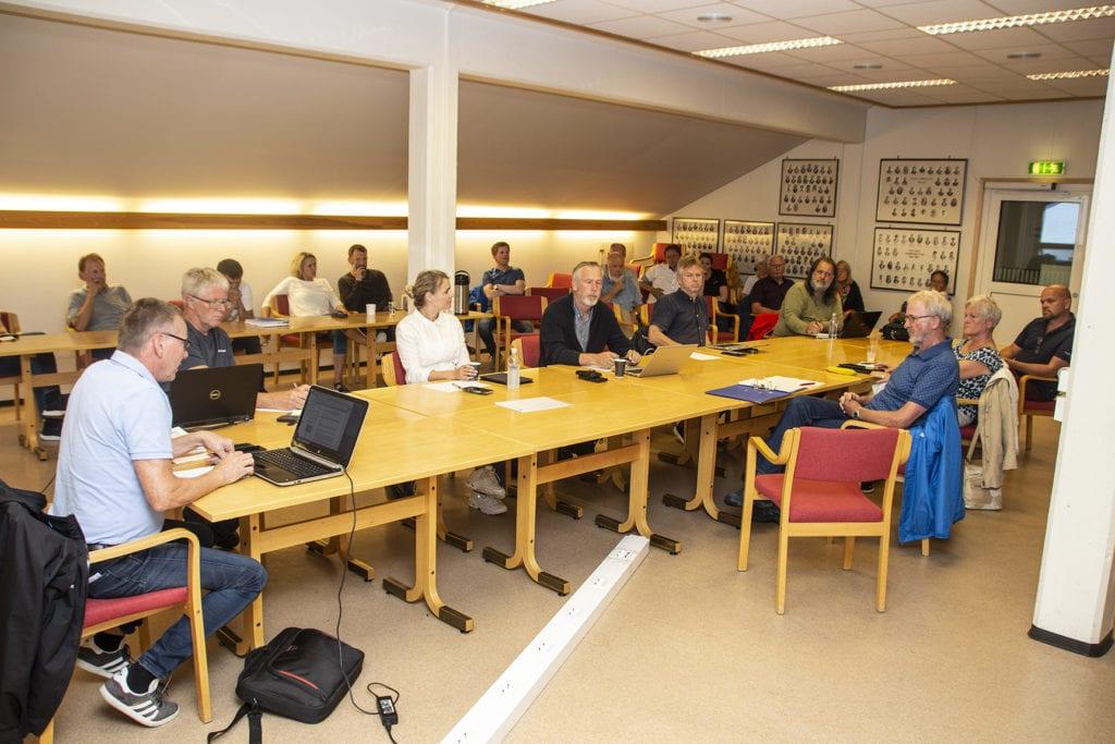 Planutvalet skulle handsame dispensasjonssøknad for Hauge Aqua Farming. Administrasjonssjef Kristian Skålhavn valde å trekke saka etter at det kom fram ny informasjon tett opp mot møtet.