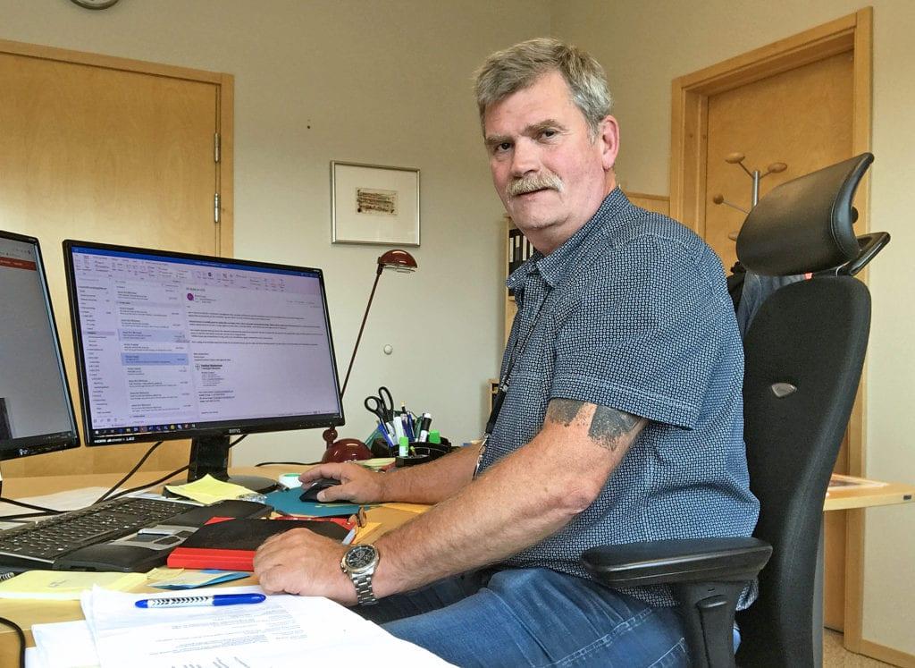Ronny Engan på kontoret