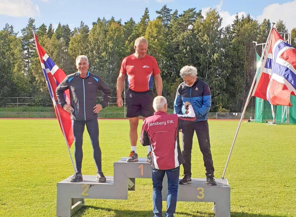 Oddbjørn Bergheim tok tredjeplassen i friidretts-NM for veteranar i Tønsberg i helga. (Foto: Privat)