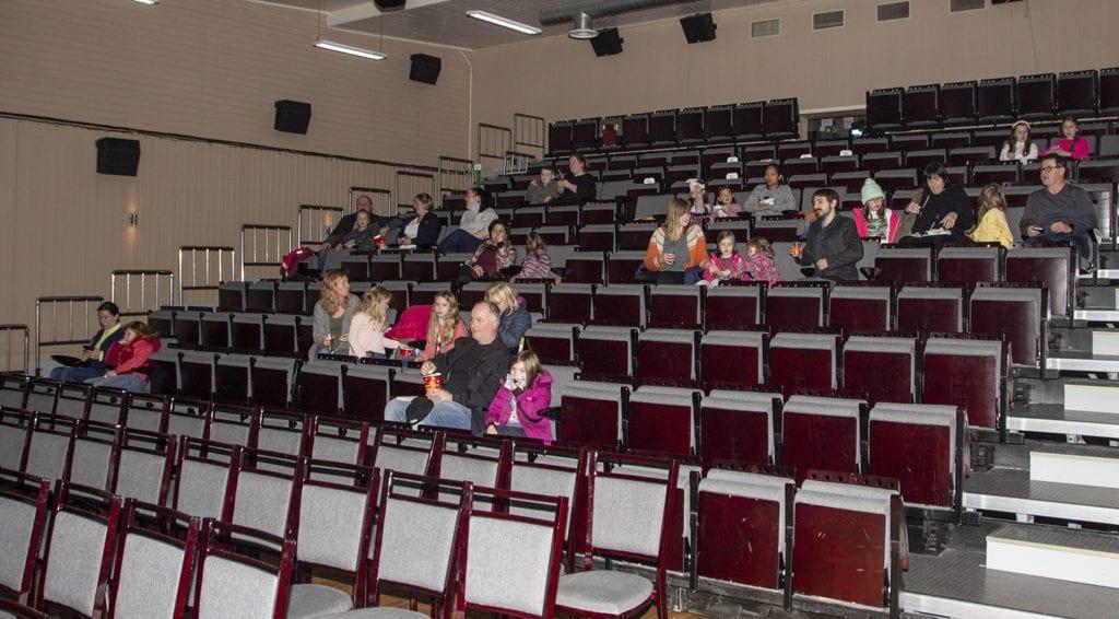 Det var 33 besøkande på den første filmen på kinoens dag, Jul på Kutoppen.