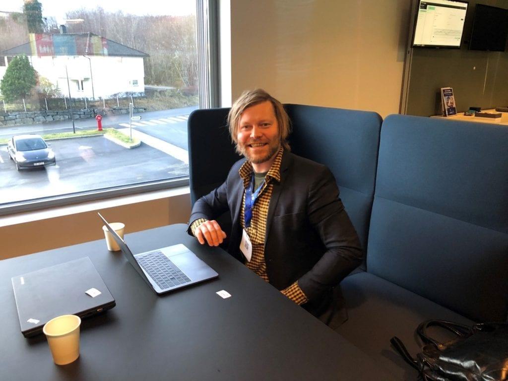 Robin Røkke i Tvisyn AS vert ny eigar og dagleg leiar i Vestnesavisa. (Foto: Tvisyn AS)